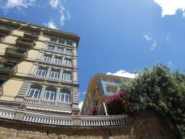 Naples Palaces