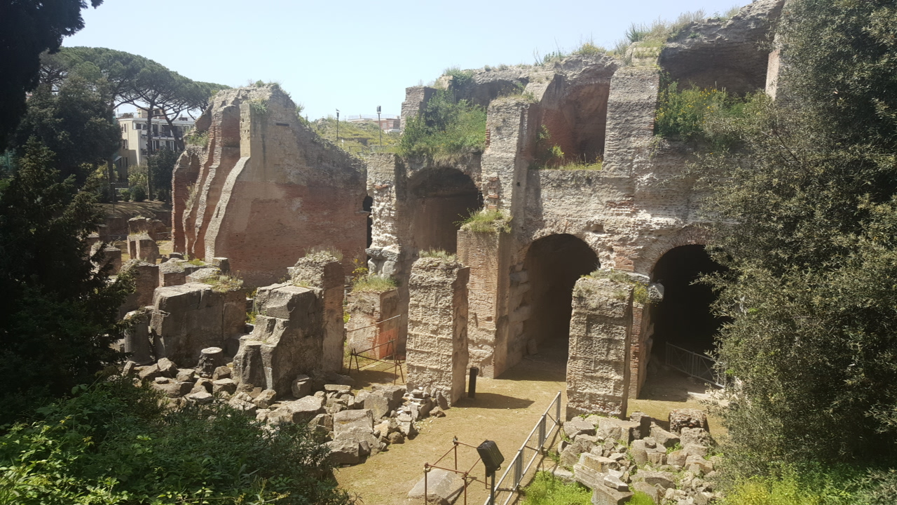 Anfiteatro_Pozzuoli_esterno